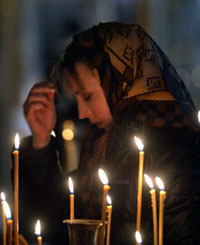 A Russian woman mourns the victims of the Nord-Ost hostage crisis.