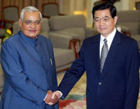 Indian Prime Minister Atal Behari Vajpayee and Chinese President Hu Jintao in Beijing, June 24, 2003