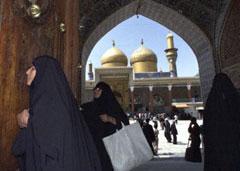 Iraqi Shiites visit the shrine of Imam Hussein